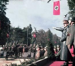 Hitler à Varsovie, Pologne. Rachel et Hannah